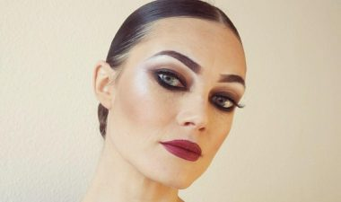Turnier-Make-up Turnierfrisur niedriger Dutt Video Anleitung